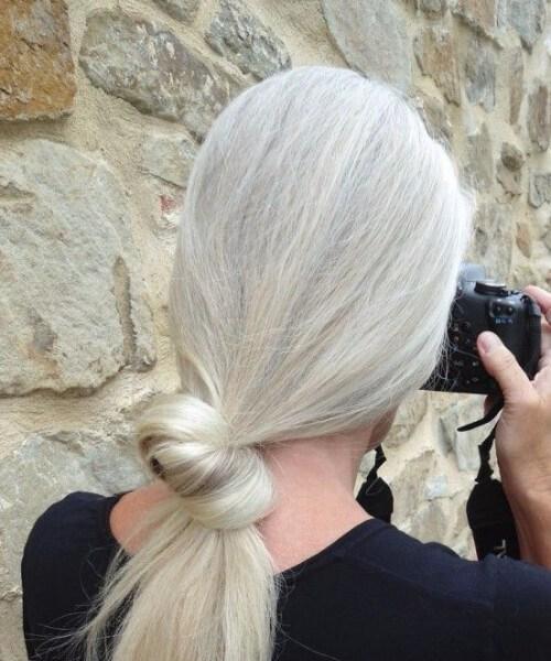 peinados para mujeres de más de 50 nudos simples