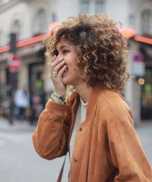 corte de pelo de la pelusa del estilo de la calle