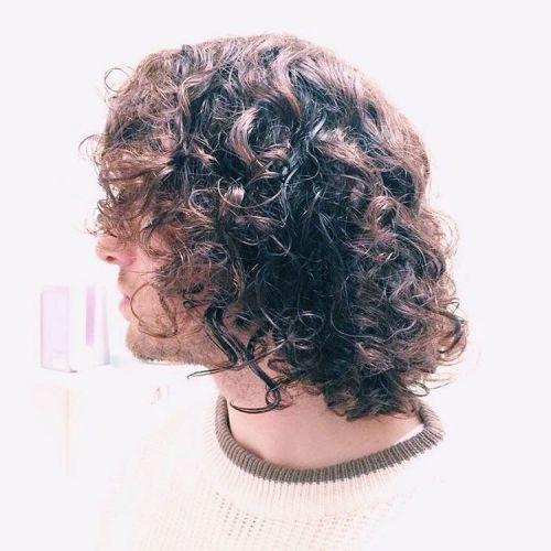 rizos desordenado largos peinados para hombres