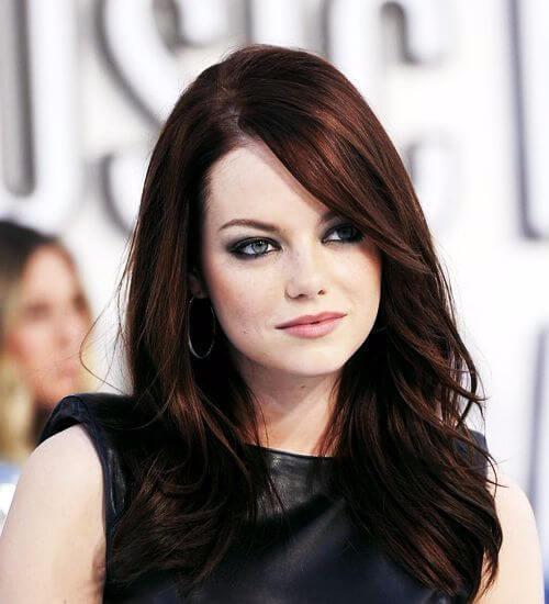 color de pelo castaño oscuro