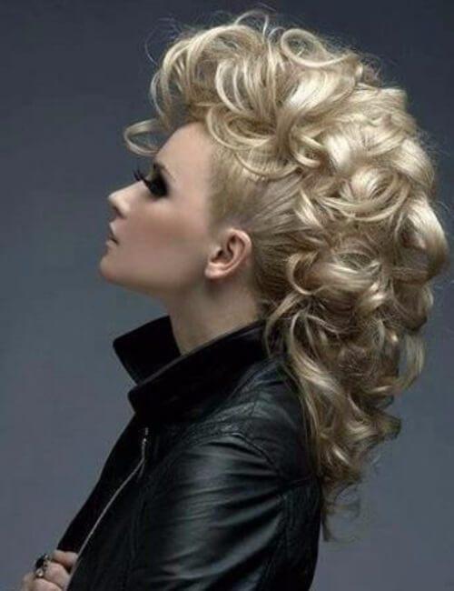 peinados de mohawk de imitación rizado de gran tamaño para el pelo largo