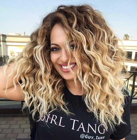 Pelo rizado Destacados Blonde Balayage Hair Morena rizado, Beach Waves