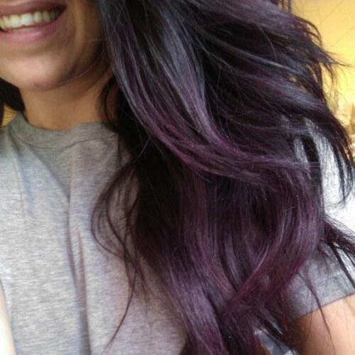 negro púrpura gris bajo reflejos y luces bajas