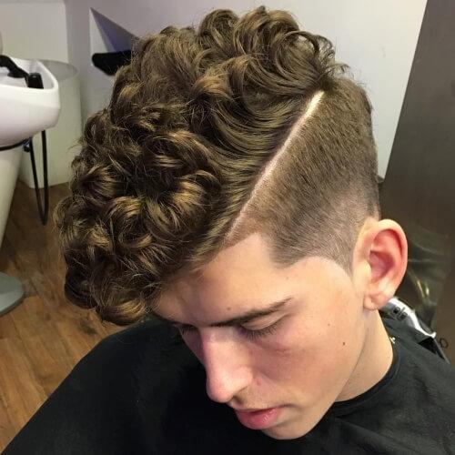 Peinados para hombres con pelo rizado