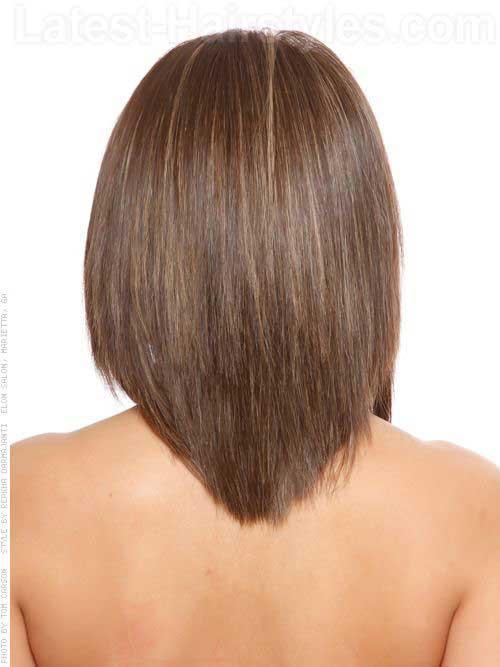 Corte de pelo en forma de V para el pelo medio
