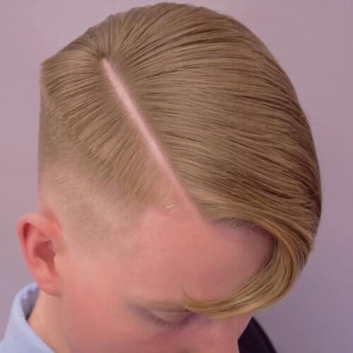 Peinados de corte limpio para hombres con líneas rectas