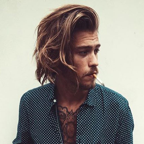 peinados ondulados de longitud media para hombres