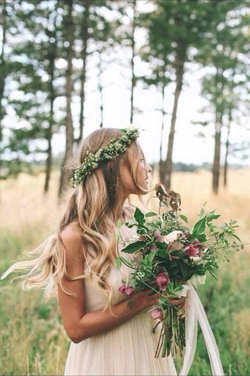 Los mejores accesorios florales para la cabeza Blonde Hairdo