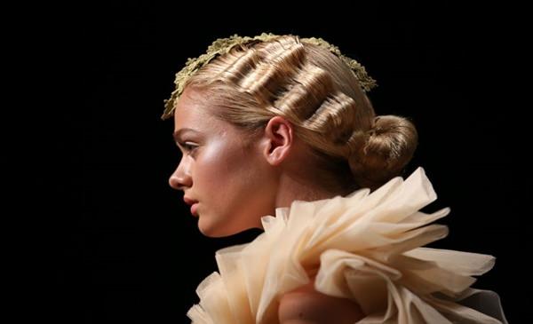 15280816-short-rizado-hairstyleslighthorizontalwaves