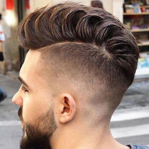 Corte de pelo de Fanned Pompadour