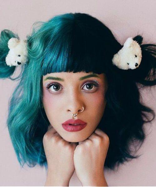 medio y medio color de pelo verde azulado