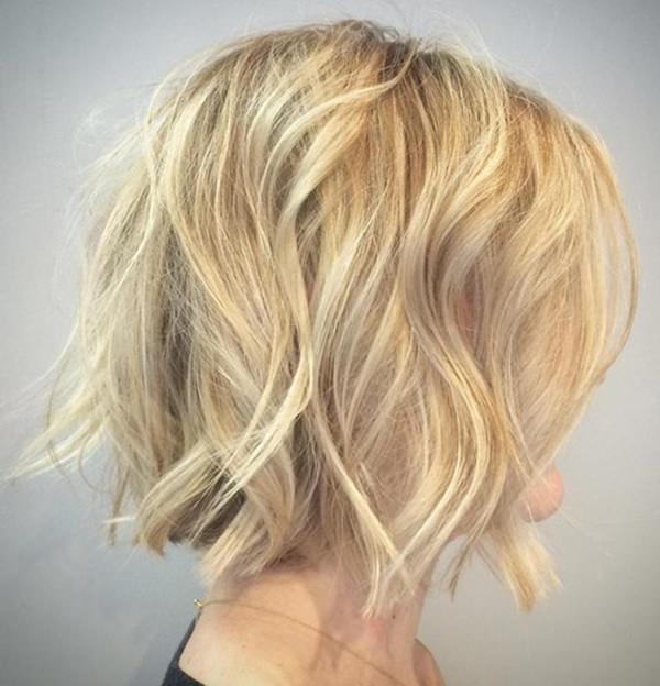 43280816-corto-rizado-hairstylesblondetousledwavybob