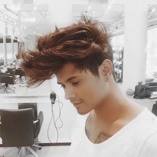 peinados de pompa pomposos largos para hombres