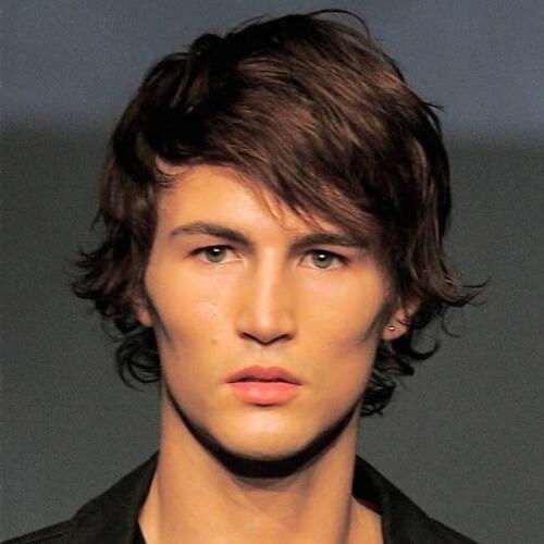 Peinado lateral Bangs