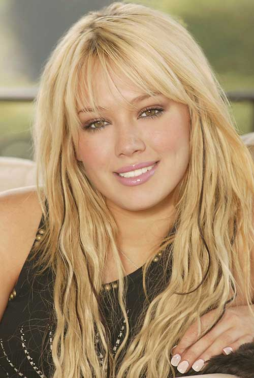 Hilary Duff peinados con flequillo