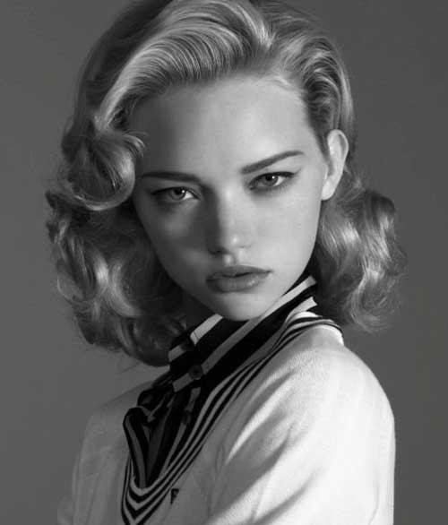 La idea de pelo rizado de los años 1950 para las mujeres