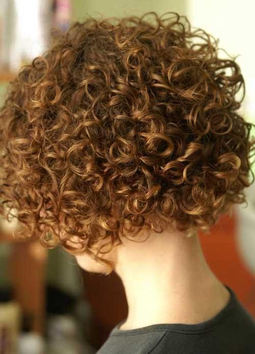 Peinados cortos con rizos permanentes