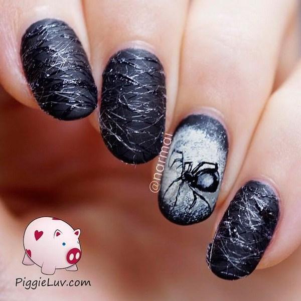 Clavo blanco y negro mate de Halloween de las arañas. Ideas de arte de uñas de Halloween.