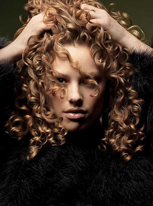 Niñas con pelo largo y rizado-16
