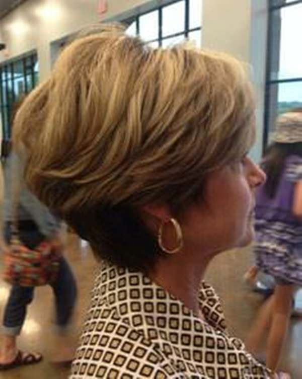 37280816-dorothy-hamill-haircut