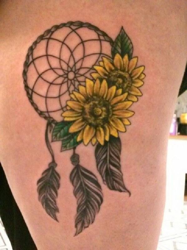 Tatuaje de girasol con Dream Catcher.