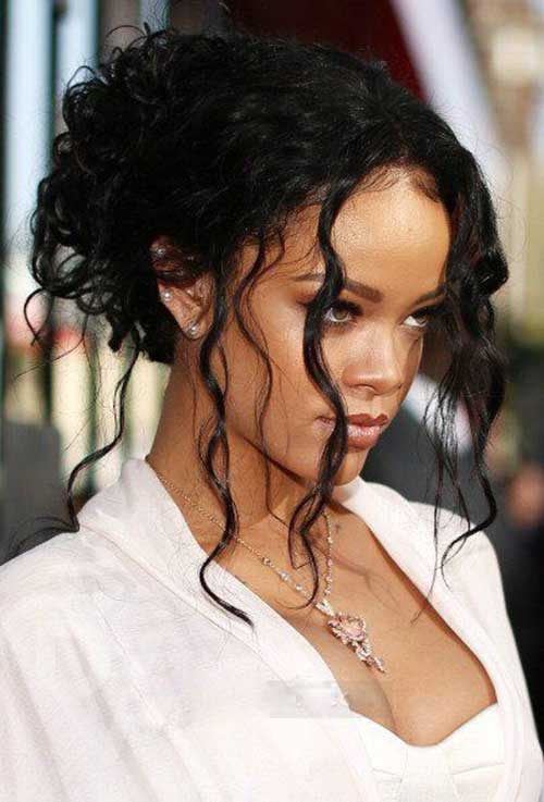 Rihanna Long Curly Hair-11