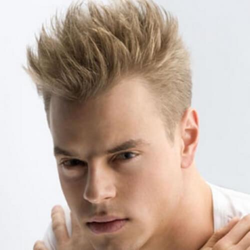 Peinados altos de punta para hombres