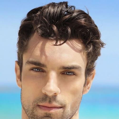 Peinados de novio para hombres con pelo grueso longitud media