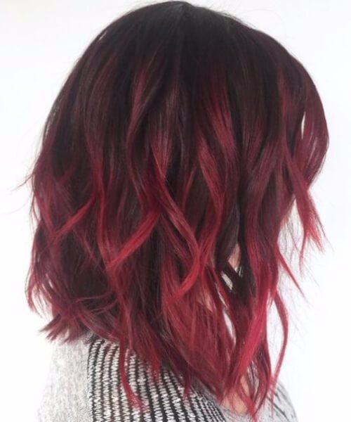 terciopelo rojo balayage pelo corto