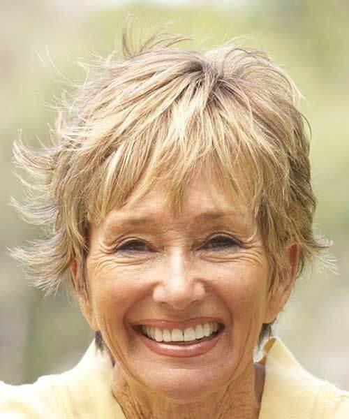 peinados pixie perfectos para mujeres mayores de 50 años