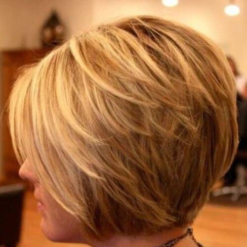 Cortes de pelo de Bob en capas en Honey Blonde