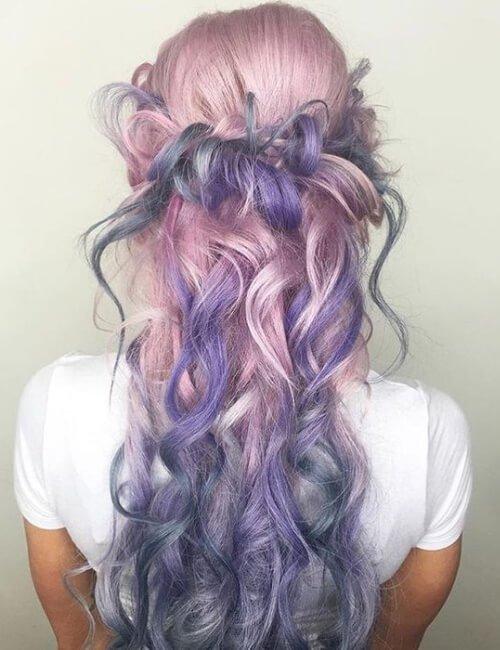 trenza desordenada pelo púrpura pastel ombre