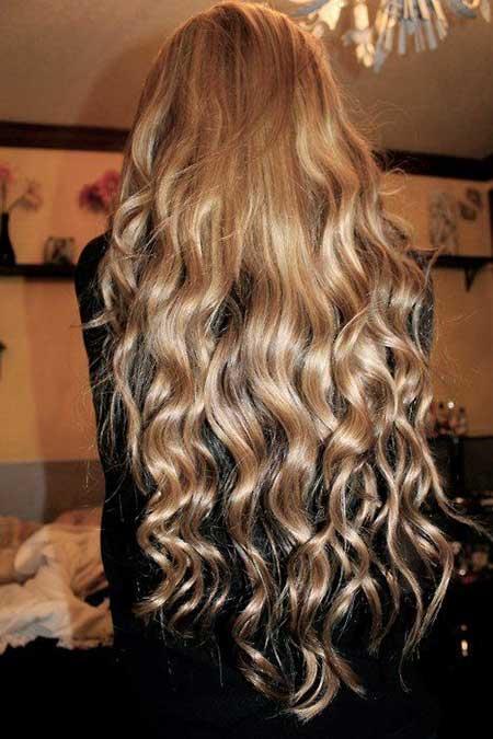 Peinados largos rizados