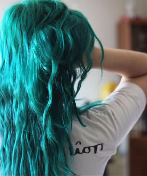 color de pelo verde azulado de algas
