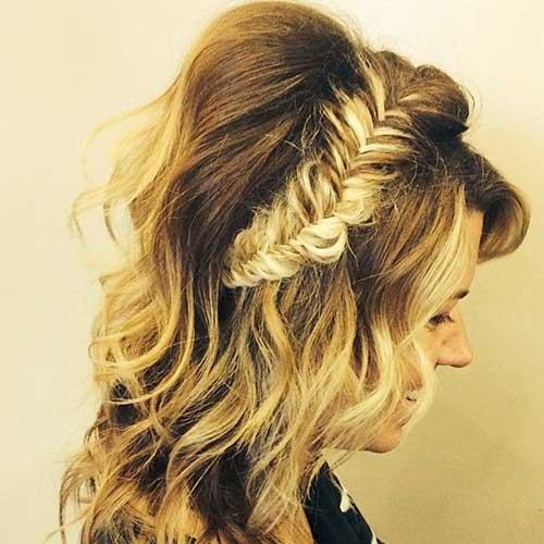 Peinados trenzados Crown Down para Prom