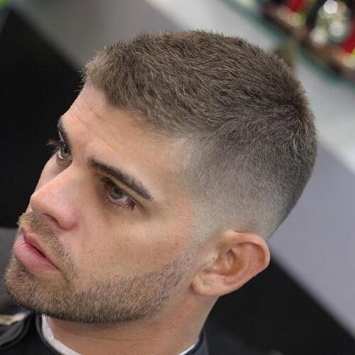 Peinados muy cortos para hombres