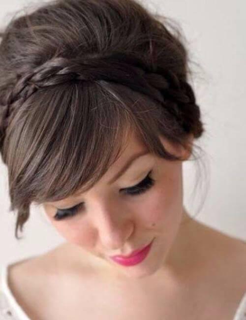 Peinados trenzados de dama de honor de corona