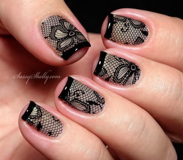 Diseño de uñas sexy encaje negro para mujeres calientes.