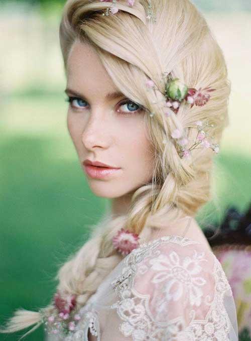 Bonito peinado de trenza de boda