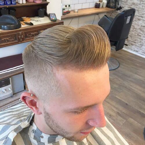 Corte de pelo Pompadour con estilo Wave