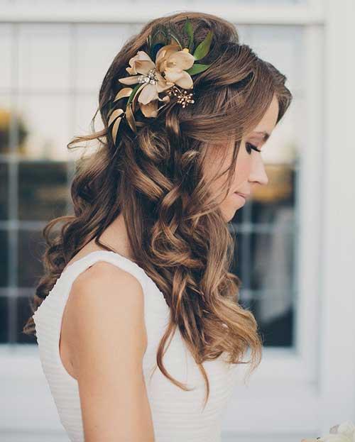 Peinados flojos de la boda rizada