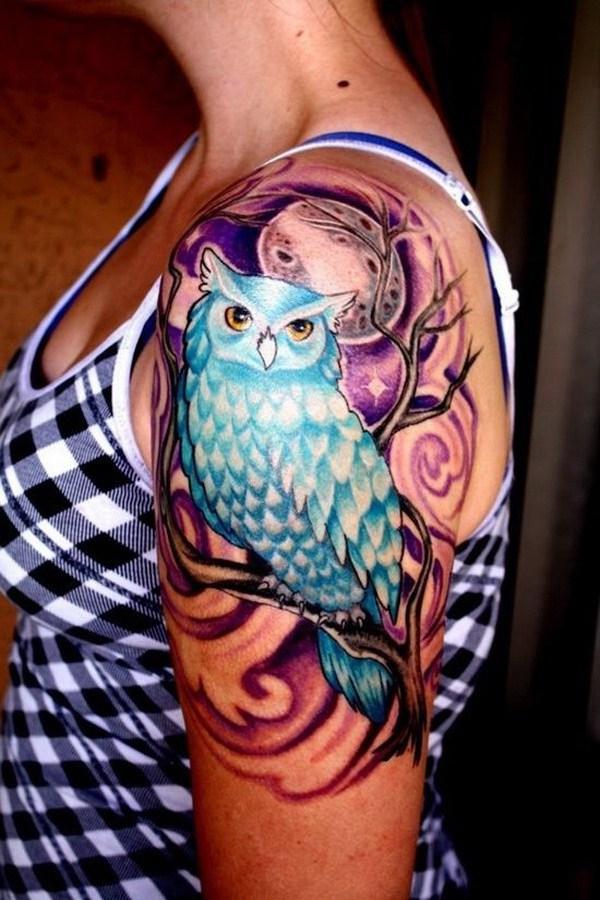 Diseño de tatuaje de búho en la manga superior.  Más a través de https://forcreativejuice.com/attractive-owl-tattoo-ideas/