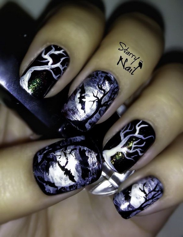 Scary Midnight Halloween Nail Designs.  Ideas de arte de uñas de Halloween.