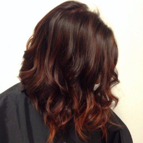 cabello castaño rojizo marrón cereza