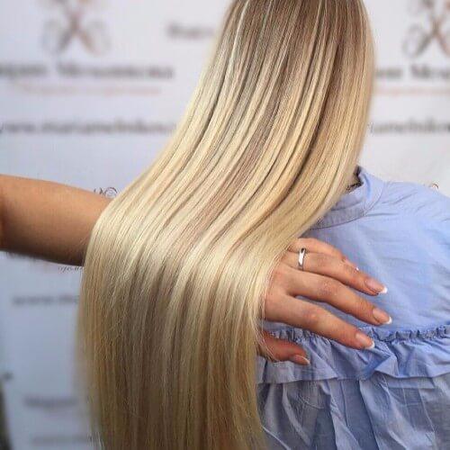 elegante cabello rubio sucio