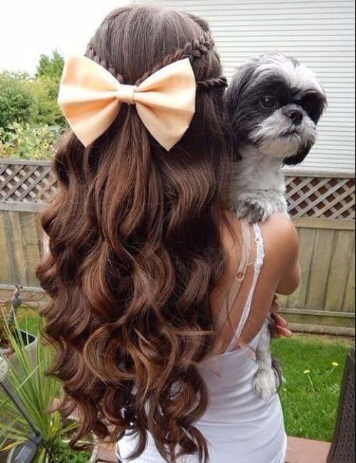 peinados para cabello rizado trenzas rizos y lazos