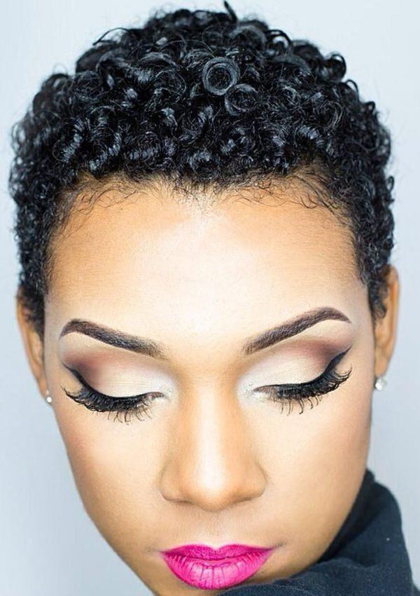 peinados cortos para mujeres negras 22
