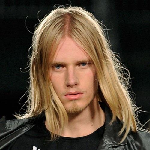 peinados rubios y largos para hombres