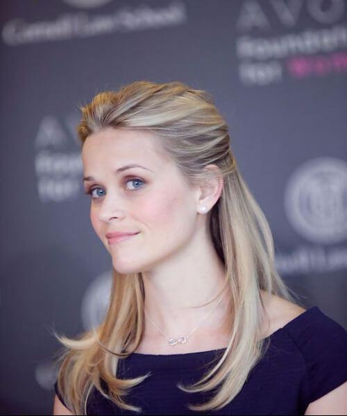 reese witherspoon peinados para mujeres mayores de 40 años