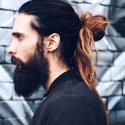 puntas blanqueadas peinados largos para hombres
